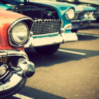 Daily life: Attend a Vintage Car Show