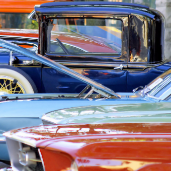Daily life: Attend a Classic Car Show